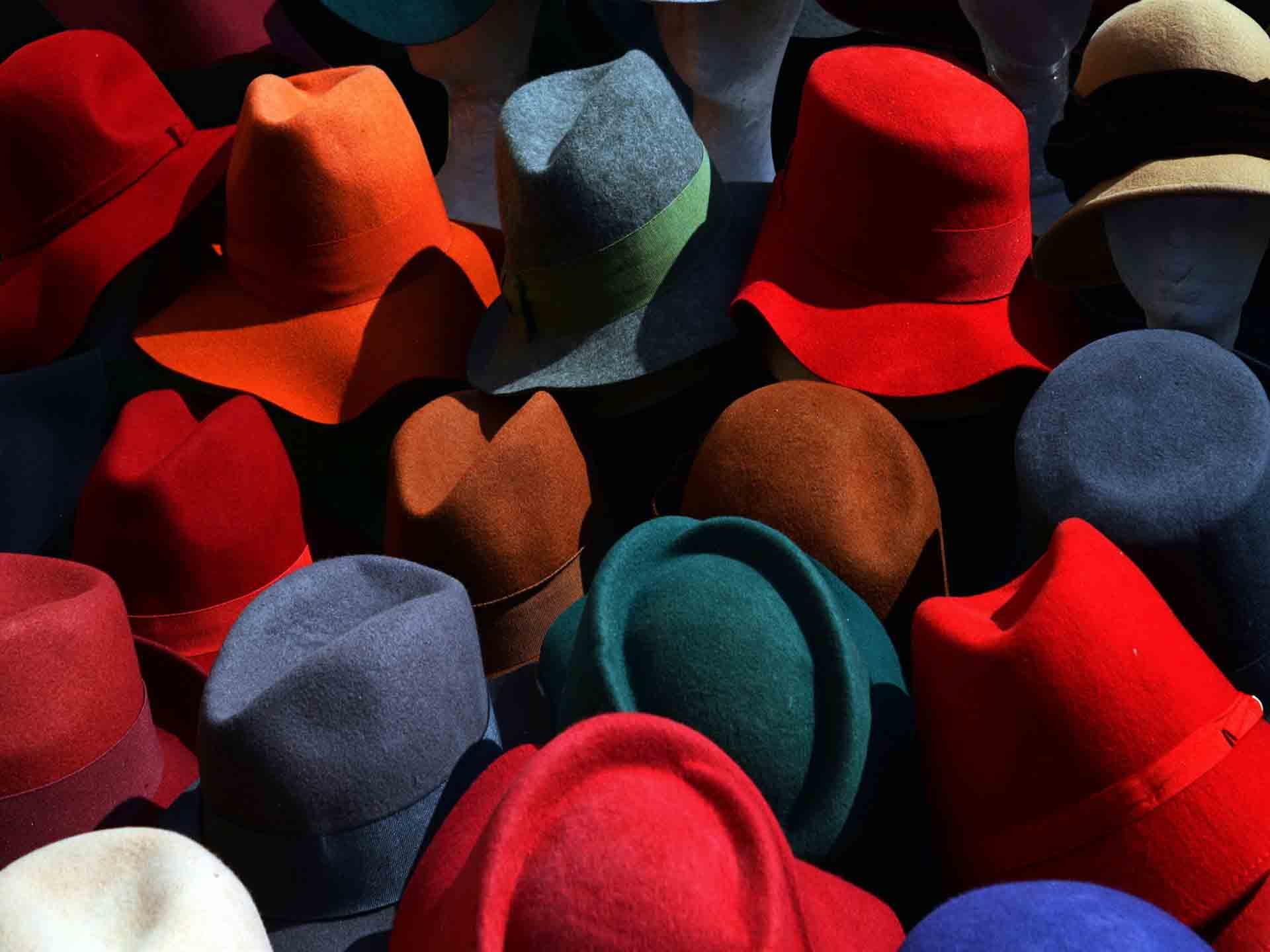 انتخاب رنگ مناسب کلاه