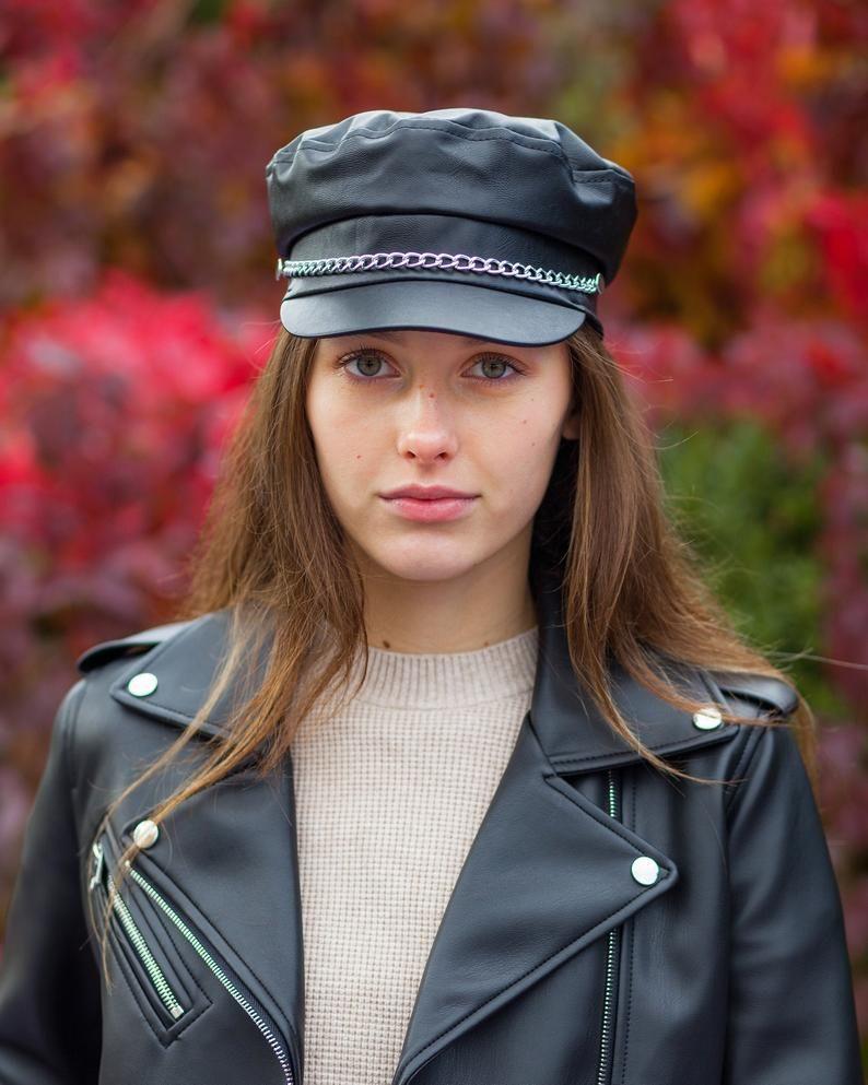 کلاه کاپیتانی زنانه زنجیردار