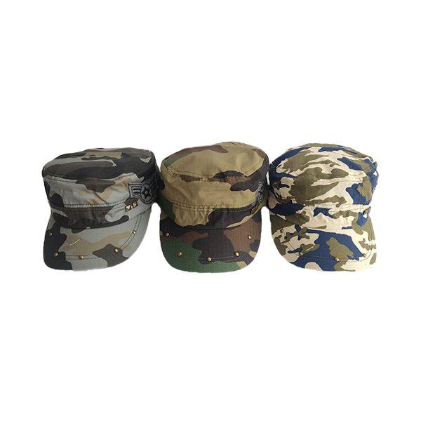 کلاه نظامی میخی
