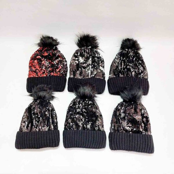 کلاه بافت پولکی زنانه پوم دار عمده ( KLT-O169 )